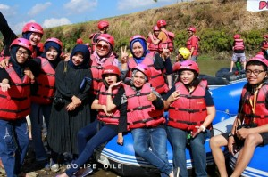 travel blogger - progo rafting